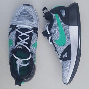 Nike Women's Duel Racer Sneaker